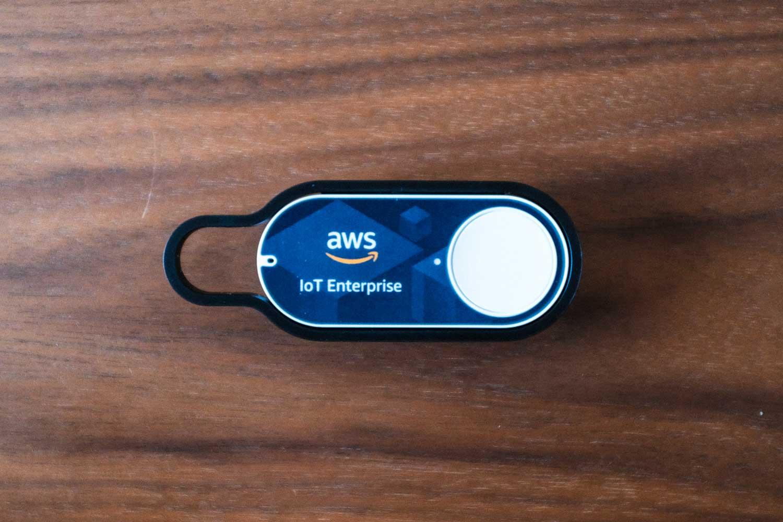 AWS IoT Enterprise Button形状