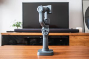 DJI『OSMO Mobile 2』はブレない動画撮影におすすめなスマホ用3軸ジンバル [開封レビュー]