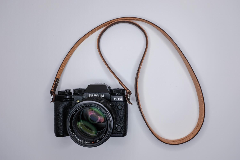 繋ぎ目がない。ULYSSES(ユリシーズ)『クラシコ・ヴァリアンテ』はミラーレス時代におすすなレザーカメラストラップ